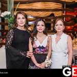 Teresa Zazueta de Acedo y Lourdes Torres de Juan, suegra y mamá de la festejada