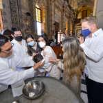 Reciben su primer sacramento Miguel y Helena